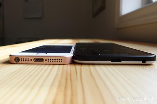 nexus5x-iphonese-comparison-4