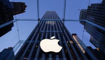 Apple избавляется от старых покупок, и приобретает новые компании